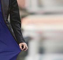 حلول لمشكلة التصاق الملابس بالجسم