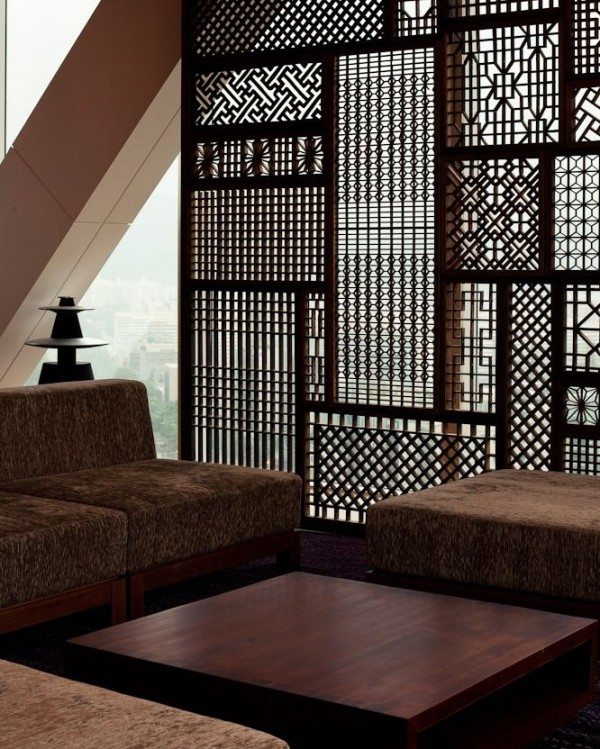 intricate-wood-room-divider-600x749